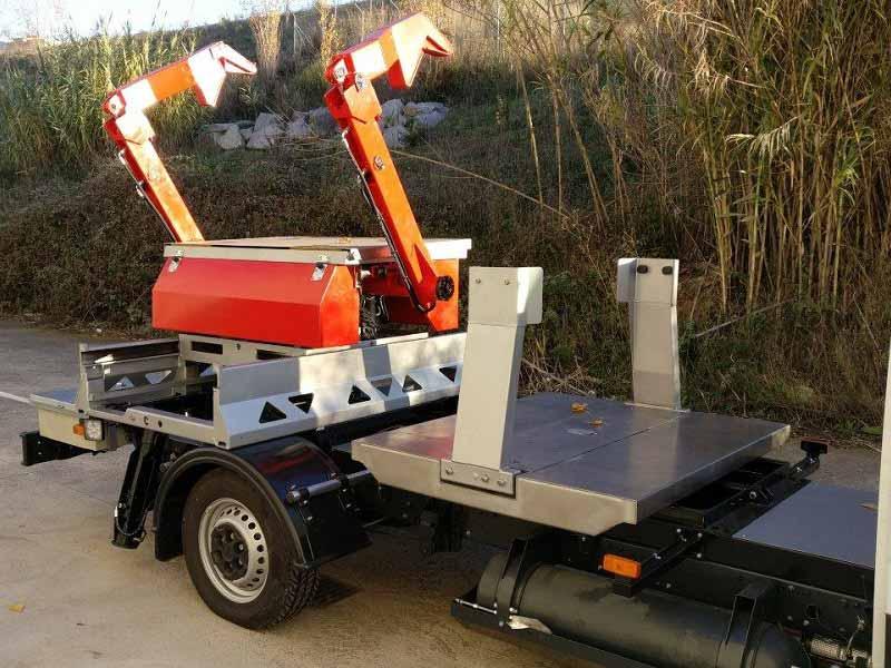 Nuevos vehículos portacontenedores para Ibiza
