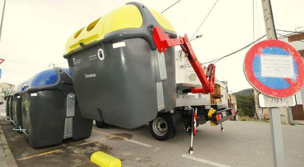 vehiculo satelite portacontenedores recogida selectiva Blanes